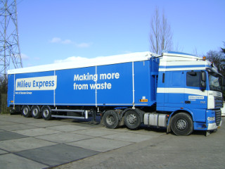 /userfiles/domat.nl/images/carousel_moving_floors/9.Milieu Express trailer.JPG